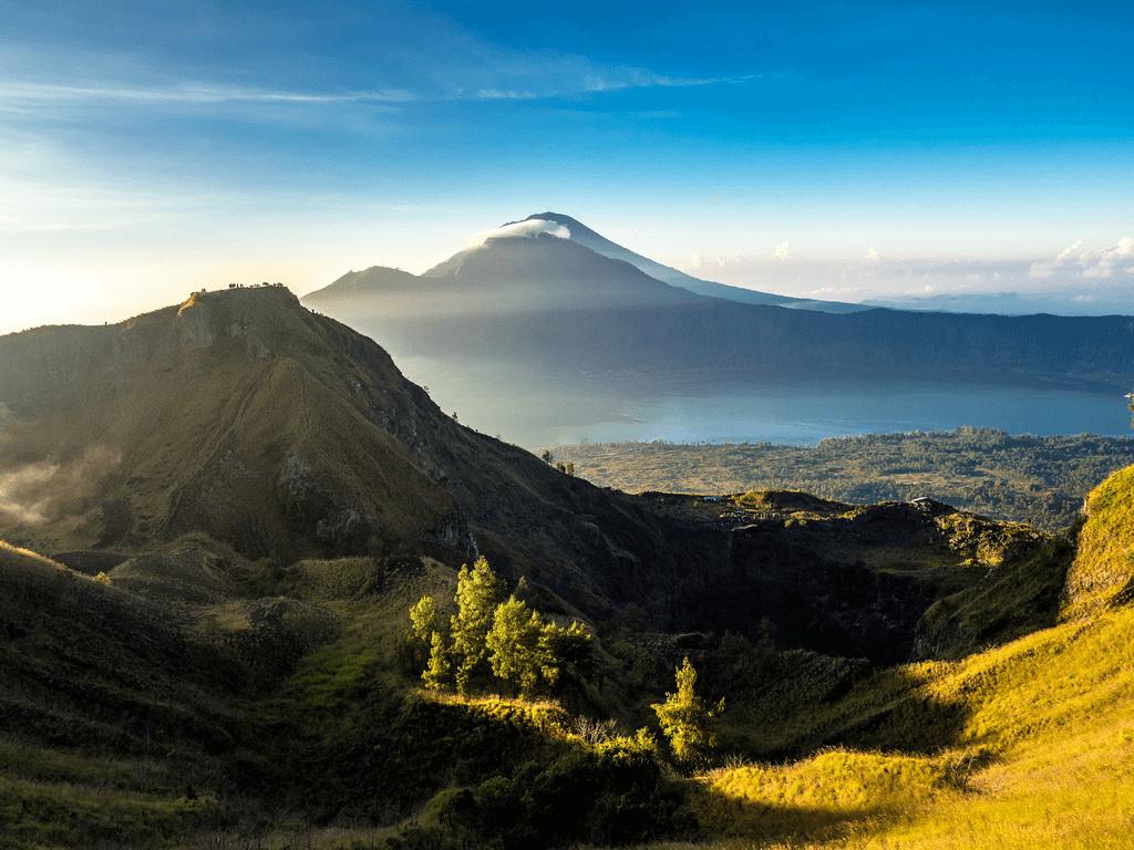 Vue du Mont Batur à l'aube