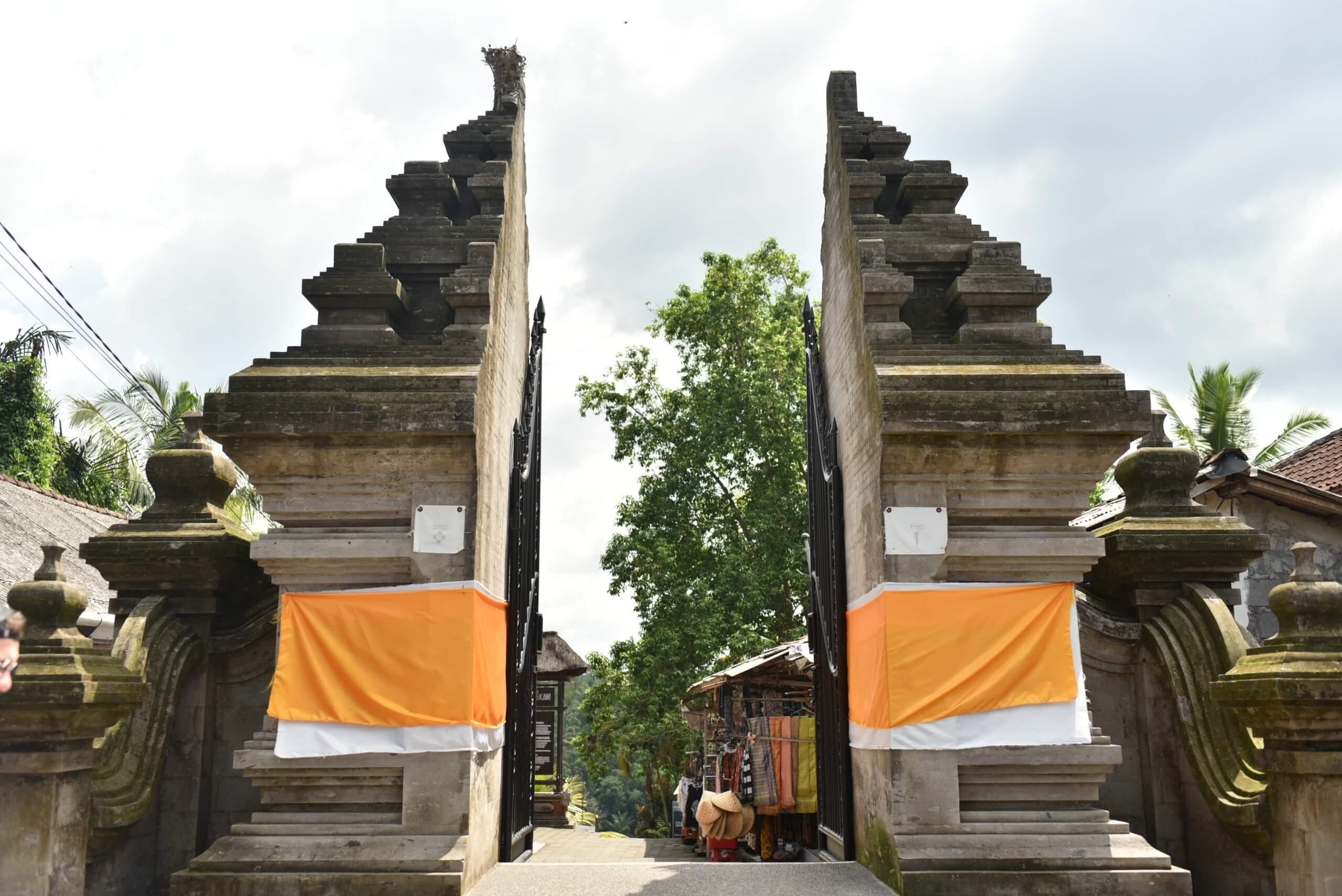 Les portes du temple -Gunung-Kawi
