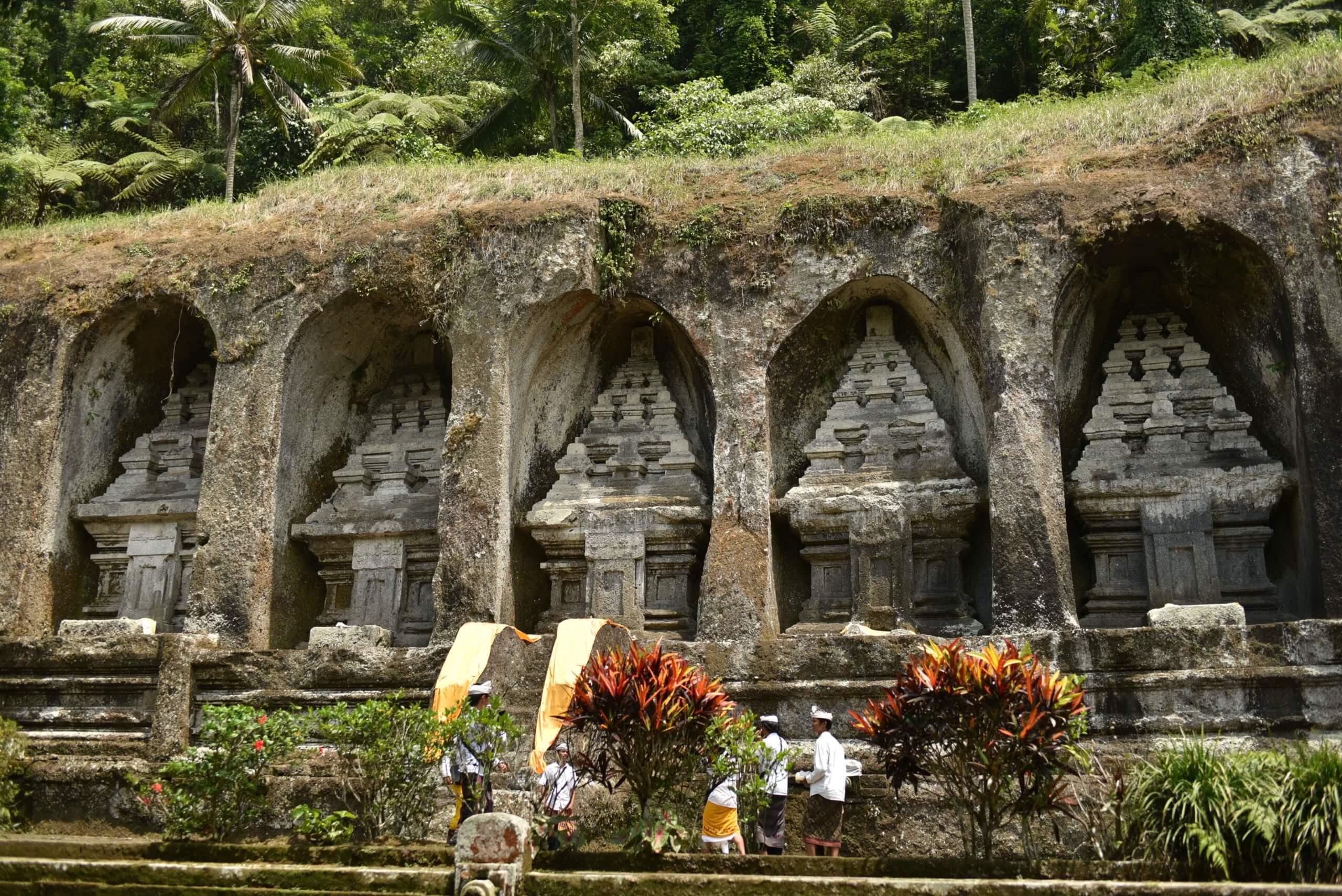 les tombeaux de gunung Kawi
