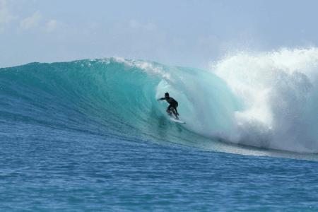 Surfeur vague de Bali Indonésie