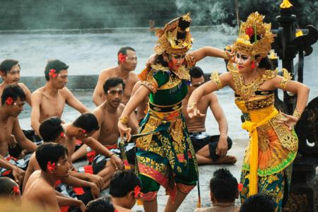 https://archipel360.com/wp-content/uploads/2019/01/archipel360-Bali-uluwatu-kecak-1-.png