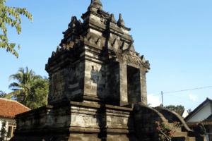 Temple Candi Pawon dans la region de Yogyakarta sur líle de Java