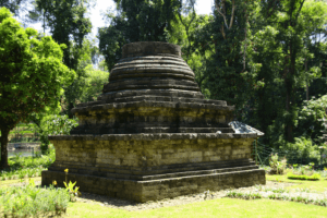 Temple de Sumberawan entre Lawang et Malang à Java