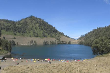 Lac de Ranu Kumbolo à Java