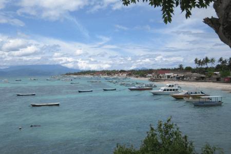 Plage du village de pecheur de Luar à Lombok