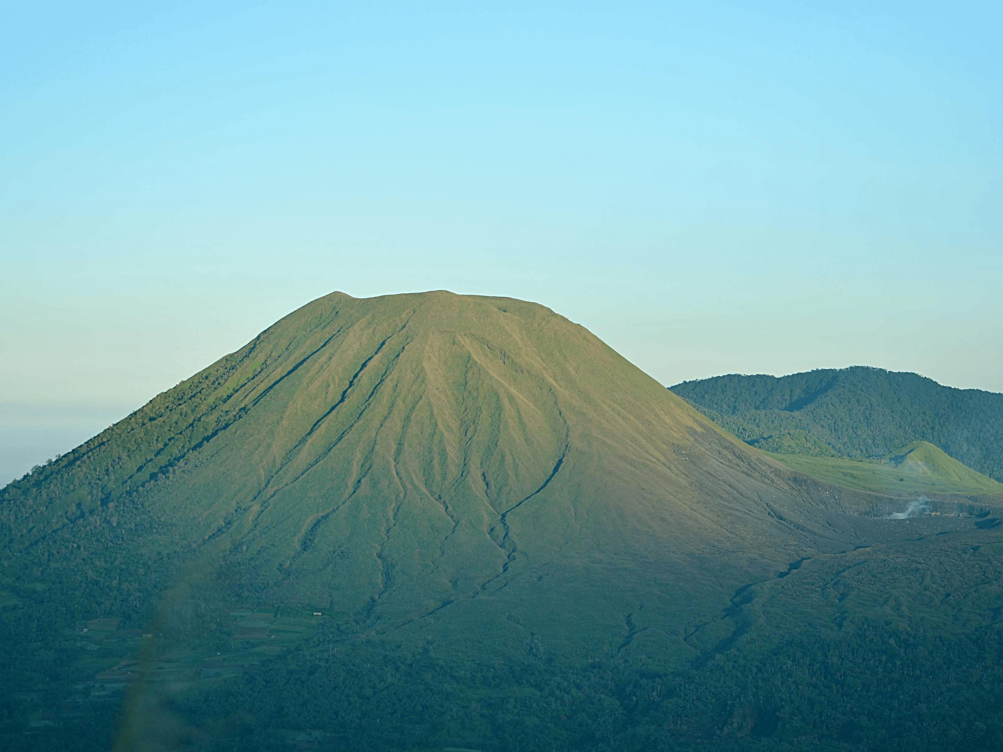 Volcan Lokon à Tomohon nord Sulawesi