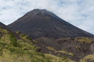 Ascension Volcan Soputan nord Sulawesi en Indonesie