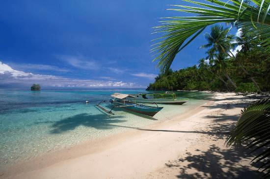 Plage des Iles togian golfe de Tomini en Sulawesi central