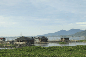 Lac danau Tondano au nord de la Sulawesi en Indonesie