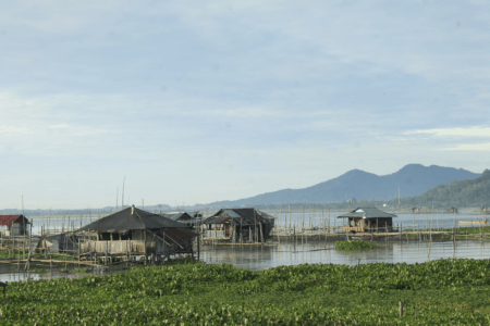 Lac danau Tondano au nord de la Sulawesi en Indonésie