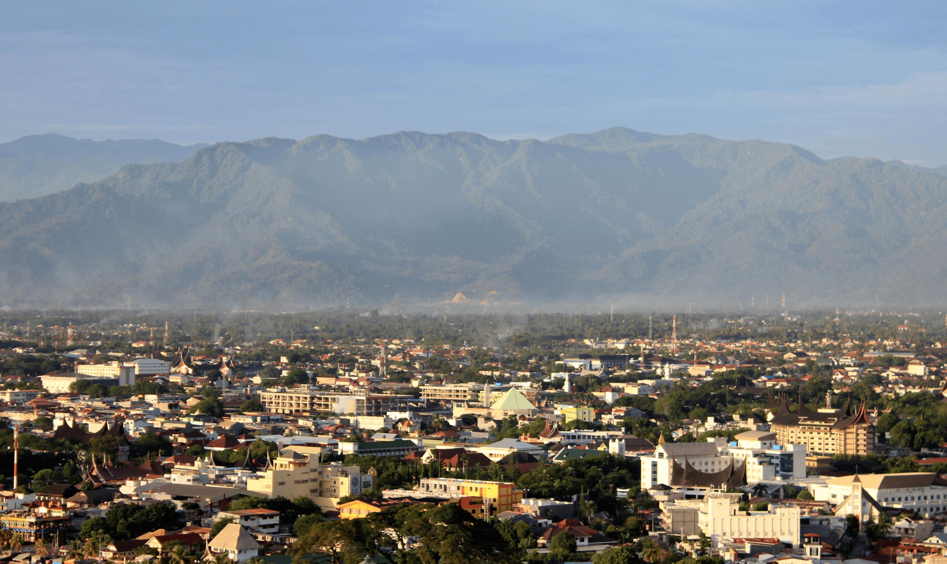 Ville de Padang à Sumatra en Indonésie