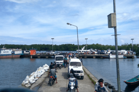 Embarquadere de Maillepet sur l'Ile de Siberut au Mentawai (west Sumatra)