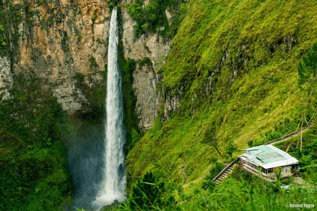 Cascade de Sipisi Piso Lac Toba Samosir nord Sumatra