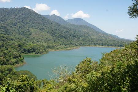 Vue du lac Bratan à Bali