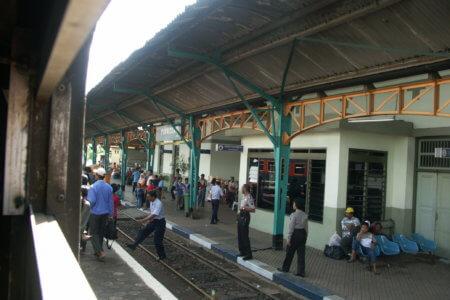 Indonesie Yogyakarta Train Station