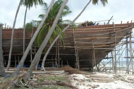 Phinisi bateau traditionnel des chantier naval de Bira au sud de la sulawesi