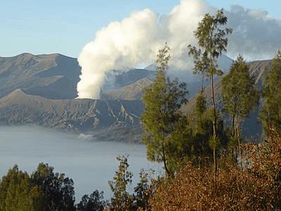 Fumerolles du Mont Bromo à Java