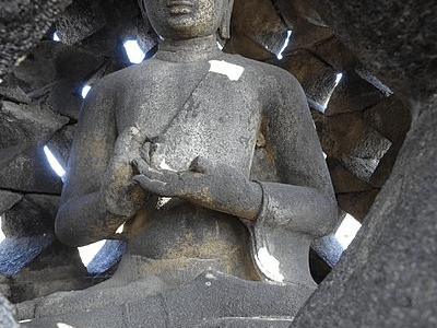 Statue de Bouddha du temple de Borobudur `a Java en Indonesie