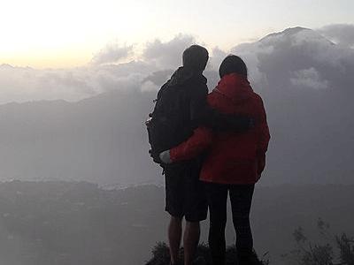 Couple de Voyageurs Archipel360 au sommet du mont Batur