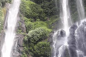 Chutes d'eaux en Indonesie