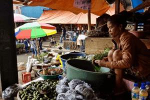 Marché quotidien de Ruteng sur líle fe Flores