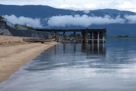 Ville de Pendolo lac de Poso en Sulawesi