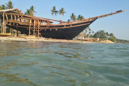Nataraja Phinisi des chantiers navals de Tanaberu au sud de la Sulawesi