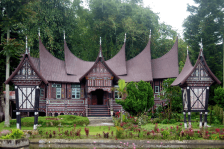 Maison traditionnelle Minangkabau west sumatra