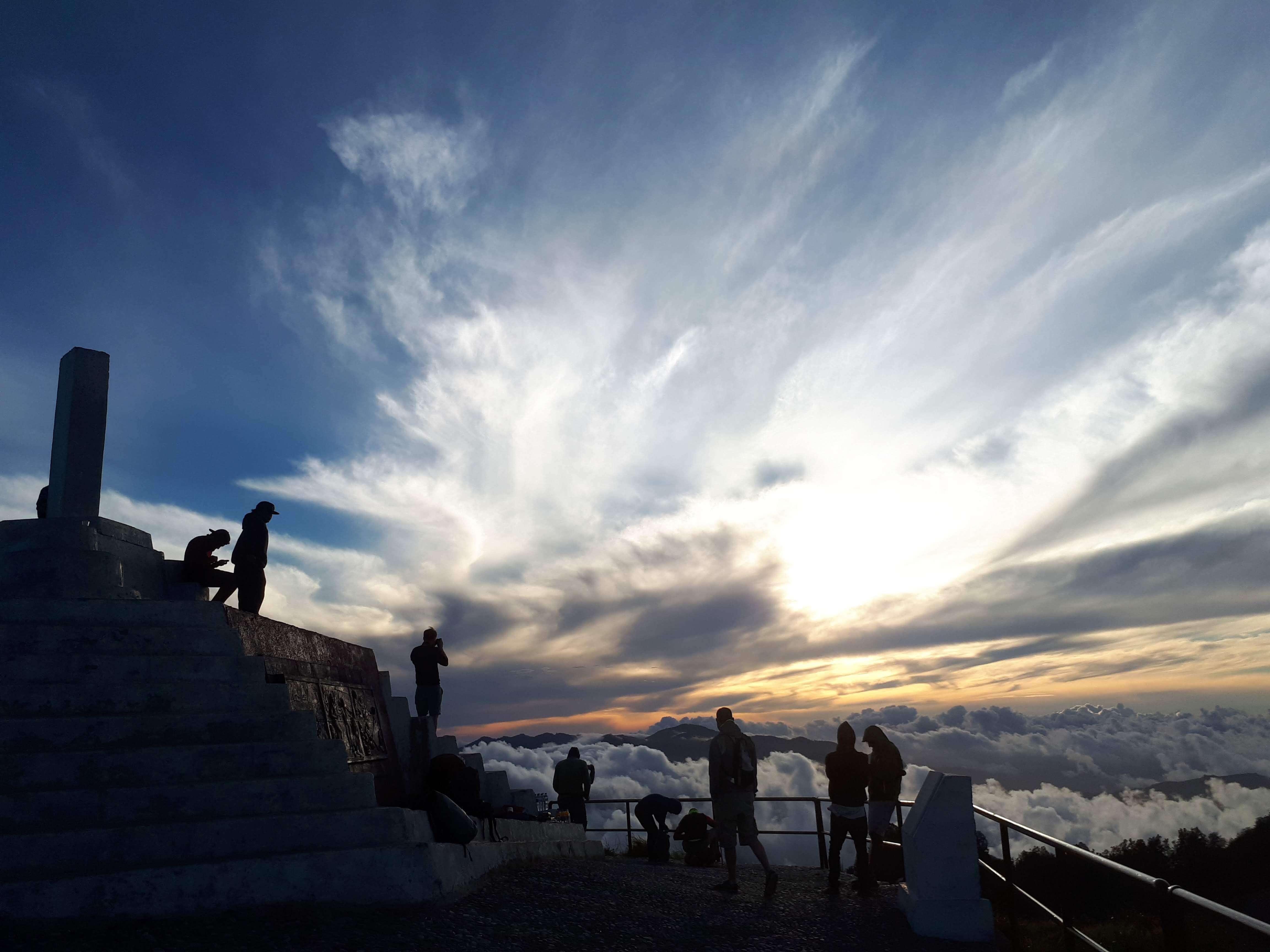 Ascension du volcan Kelimutu à Flores