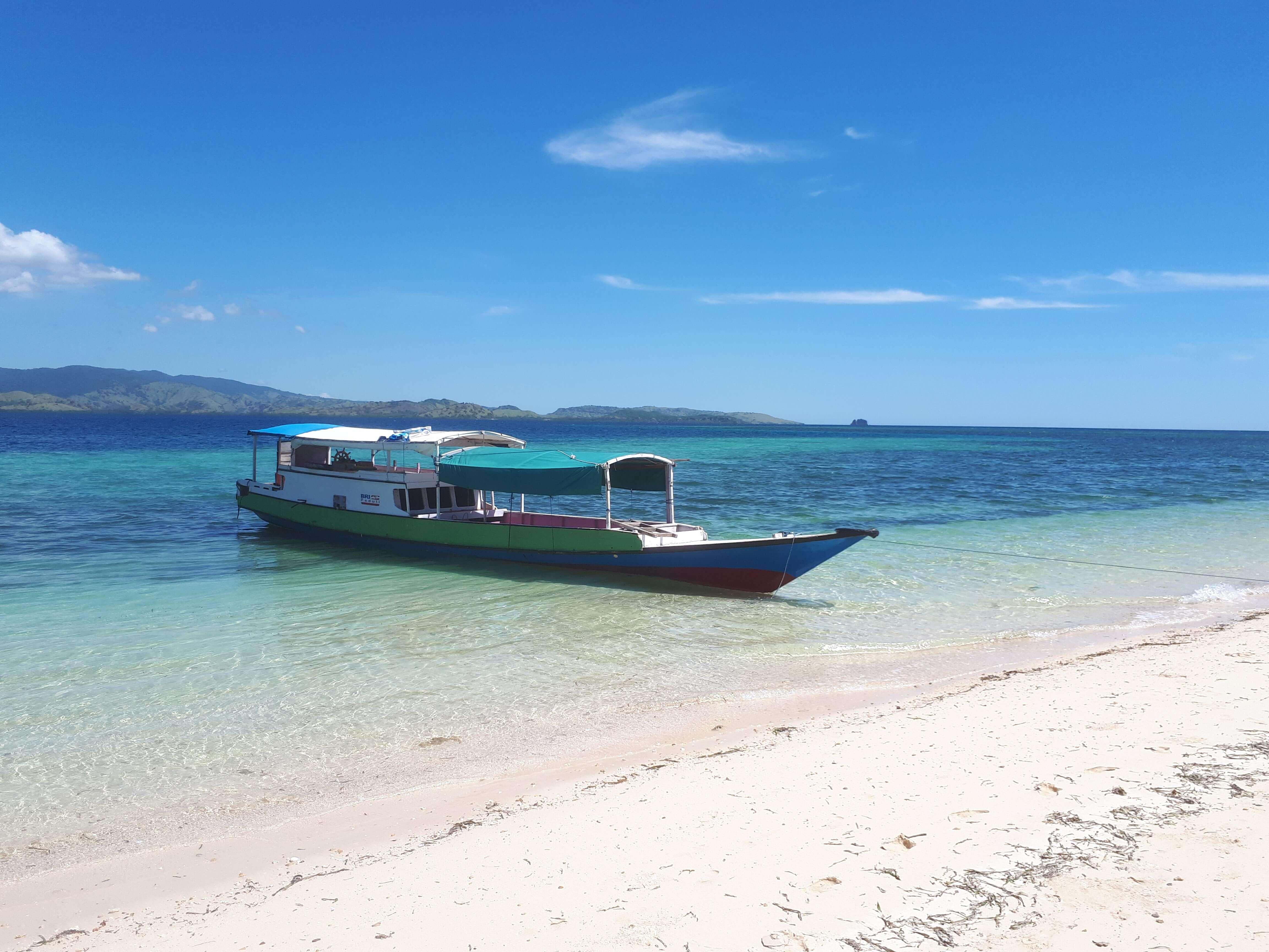 Bateau de pêcheur à Flores