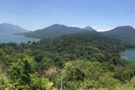 Vue panoramique des lacs tamblingan et beratan