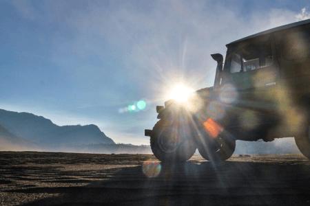 Jeep au volcan Bromo à Java