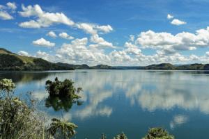 sentani baie de Jayapura en papouasie indonesienne