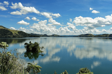 Sentani baie de Jayapura en papouasie indonésienne