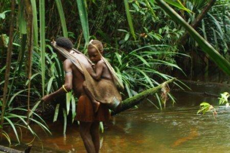Femme Mantawai avec son enfant