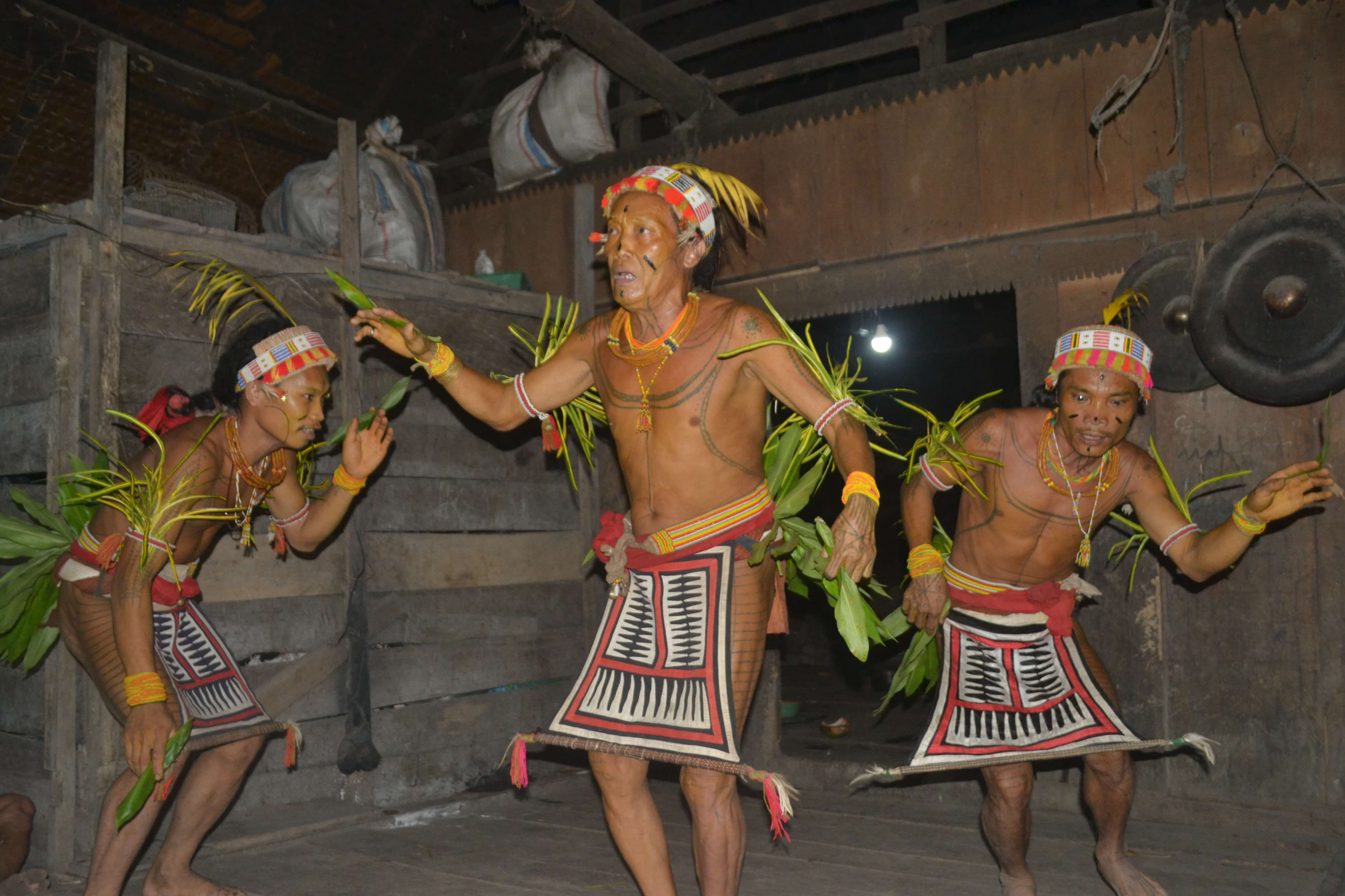 Dance des Mentawaï à Sumatra