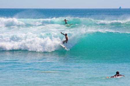 Surfeurs à Kuta, Bali