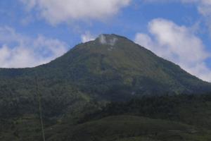 Vue sur le volcan mont Talang a Sumatra