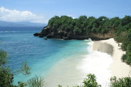 La plage de de mushroom bay sur l'ile de Nusa Lembongan